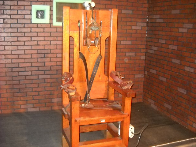 electric-chair-72283_640