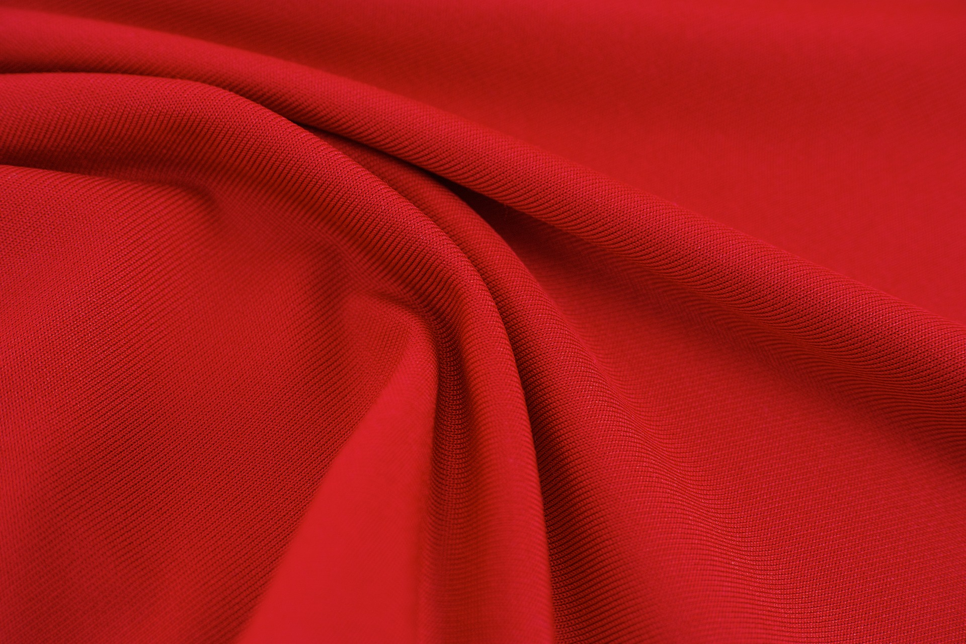 red-2945781_1920